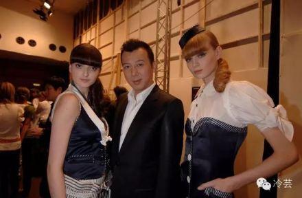 (2006年,谢峰登陆巴黎时装周)